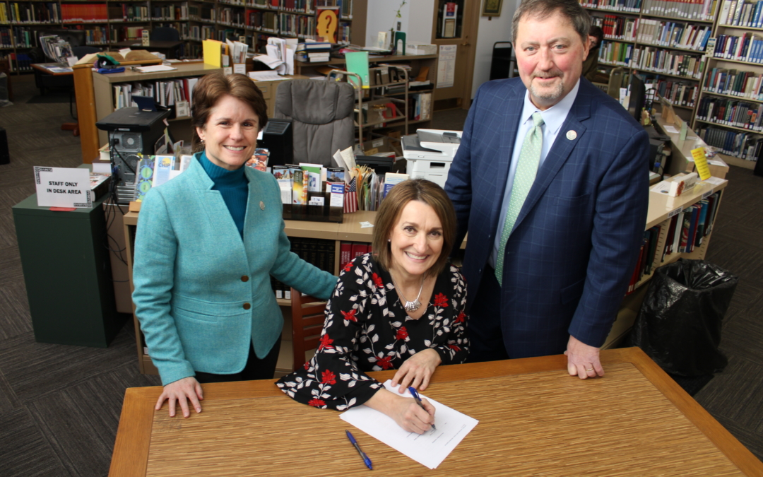 NPRC comes to agreement and establishes relationship with Warren Public Library.