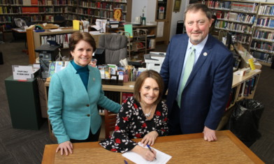 NPRC Furthers Its Commitment to Local Organizations, Establishes Library Collaboration with Warren Library Association